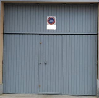 Puerta bombin garaje cerradura