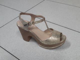 Sandalias verano doradas 39