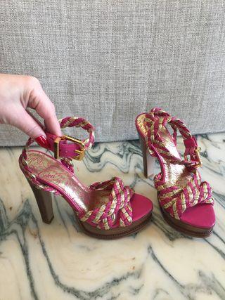 Zapato sandalia piel fucsia y dorado