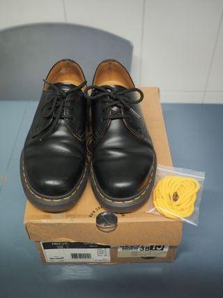 Zapato Martens talla 38