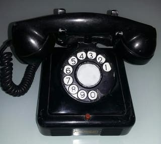 TELÉFONO ANTIGUO HIERRO