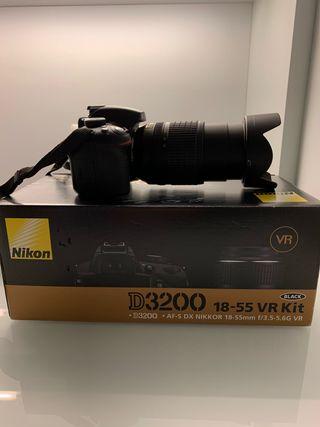 Se vende Nikon 3200 con objetivo 18-55 mm VR