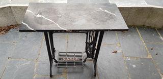 Mesa costura singer antigua