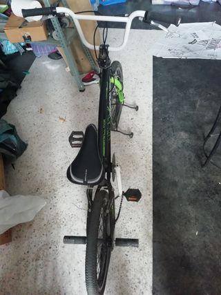 Bicicleta Megamo BMX Radikal