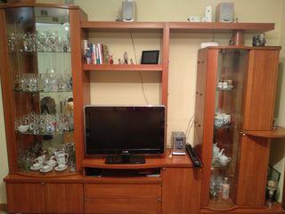 Mueble de salón y mesa auxiliar