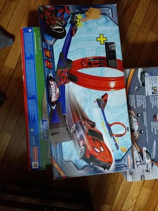 spiderman juguete de coche esta abierto