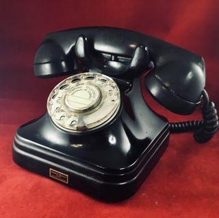 Antiguo teléfono baquelita español 5523A