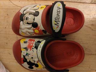Zuecos crocs de Mickey