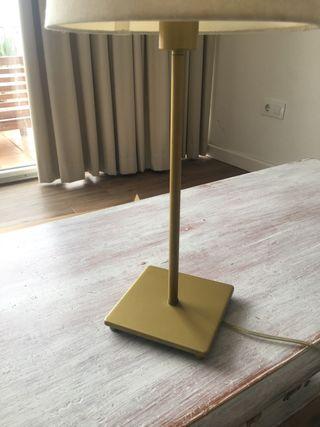 Pie de lámpara de mesa