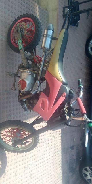 se vende o se cambia pit bike 125 cc