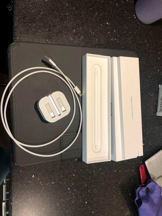 iPad Pro 12.9 inch 3rd generation bundle