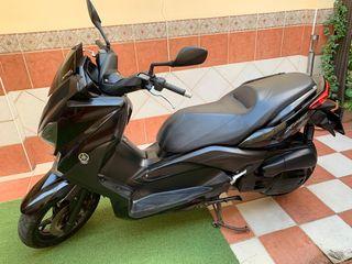 Moto Xmax 125