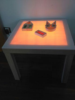 mesa luz montessori