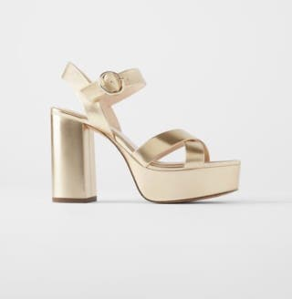 Sandalia plataforma Zara