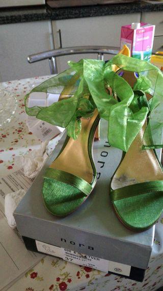 Sandalias número 37 de organza color verde de ta