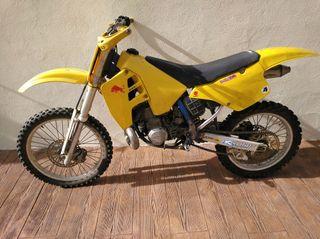 Se vende Suzuki RM 250