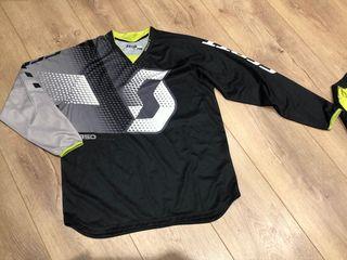 Camiseta (L) y Pantalón (34) Enduro/Motocross