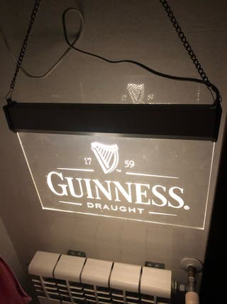 Rótulo luminoso Guinness