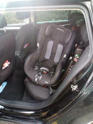 Silla infantil para coche. Giratoria 90°