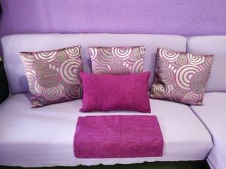 Cojines para sofá o cama nuevos.