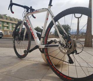 Bicicleta Ciclocross CUBE 53