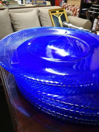6 bajo platos de cristal azul