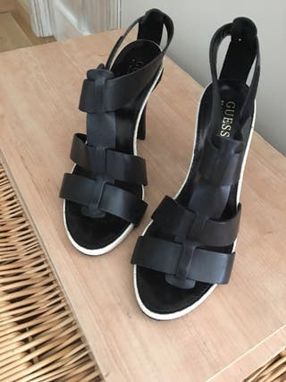 Sandalias Guess Marciano