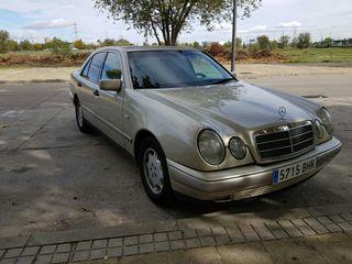 Mercedes-Benz Classe E (210) 2001