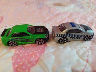 Cinco coches metálicos