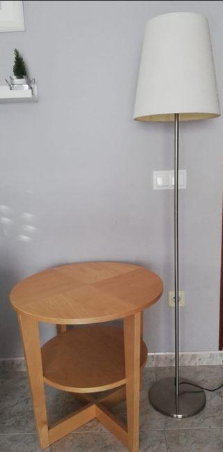Lampara y mesita Ikea