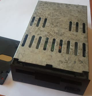 disquetera amstrad y disquette CF2