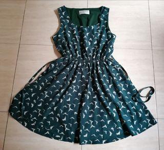 Vestido verde con pajaritos