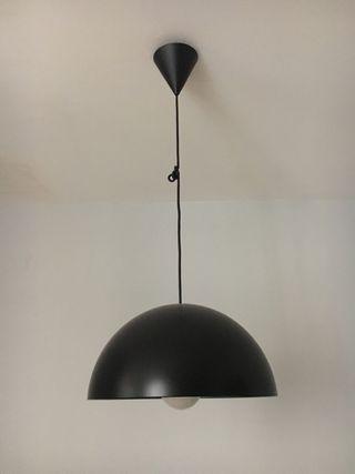 Lámpara negra Ikea 365+