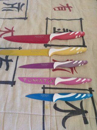 Cuchillos marca ROYALTY LINE