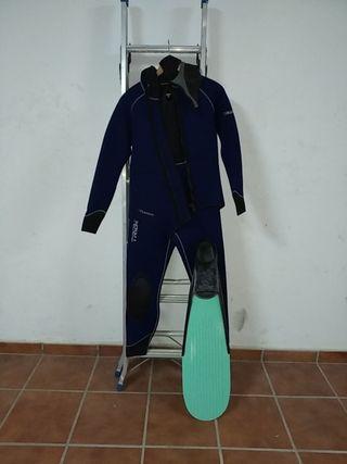 traje de buceo