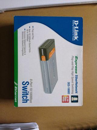 switch D-link DES- 1008D