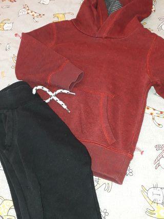pantalon y sudadera