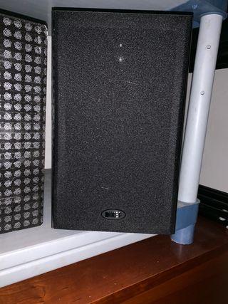 Pareja de altavoces KEF y caja de bajos JBL