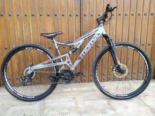 Bicicleta MTB Equinox 29 Shimano profesional