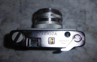 Cámara de fotos analógica vintage YASHICA. LYNX14