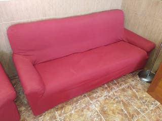 Sofá de 3 plazas y sillón.