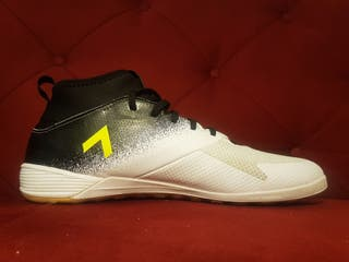 Adidas indoors boots