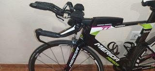 Bicicleta de triatlón Mérida Warp TT.