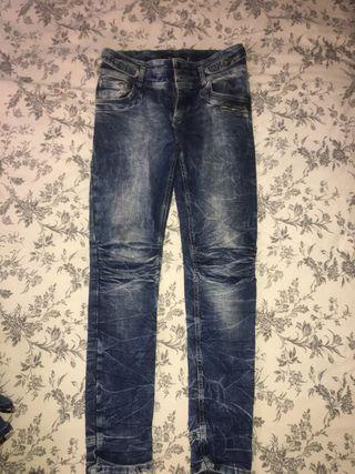 Pantalon desgastados 40