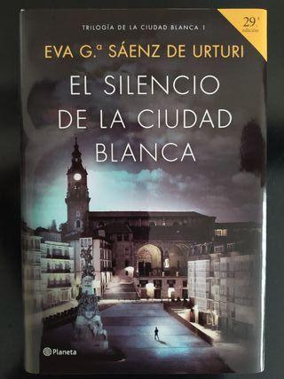"""Libro """"El silencio de la ciudad blanca"""""""