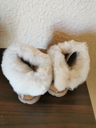 Zapatilla lana y piel talla 23