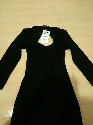vestido negro bershka talla xs