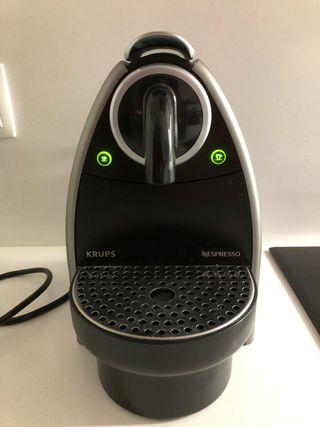 Cafetera Krups Nespresso Automatica