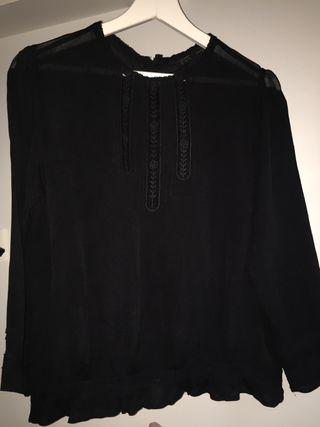 Blusa negra de gasa Zara T-XS. Perhace una S