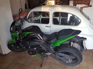 Kawasaki z750 verde y negra.